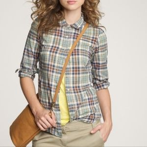 J Crew button up perfect shirt in padgett plaid